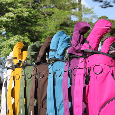 シンプル&コンパクトなキャディバッグをお探しの方はスタンダードモデル!店頭でご確認ください。